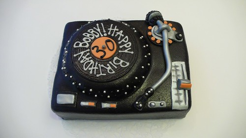 Mini Turntable Cake by CAKE Amsterdam - Cakes by ZOBOT