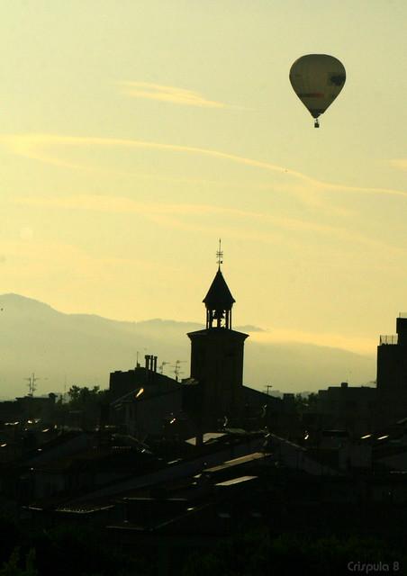 El campanario y el globo