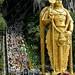 Multidao de peregrinos em Batu Caves