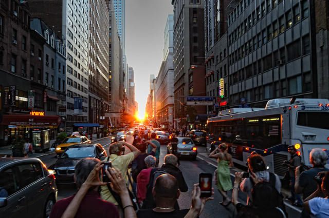 Manhattanhenge 2011 | numbphoto