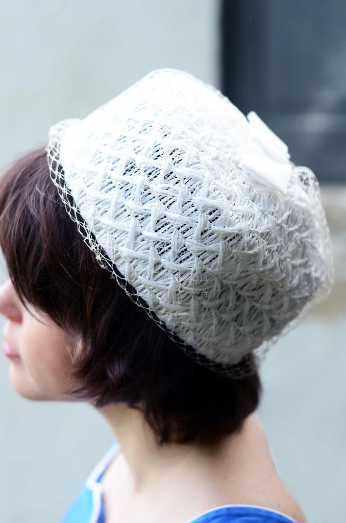 Vintage White Straw Pillbox Hat