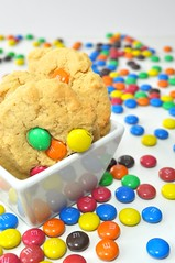 Erdnussbutter Cookies mit Smarties