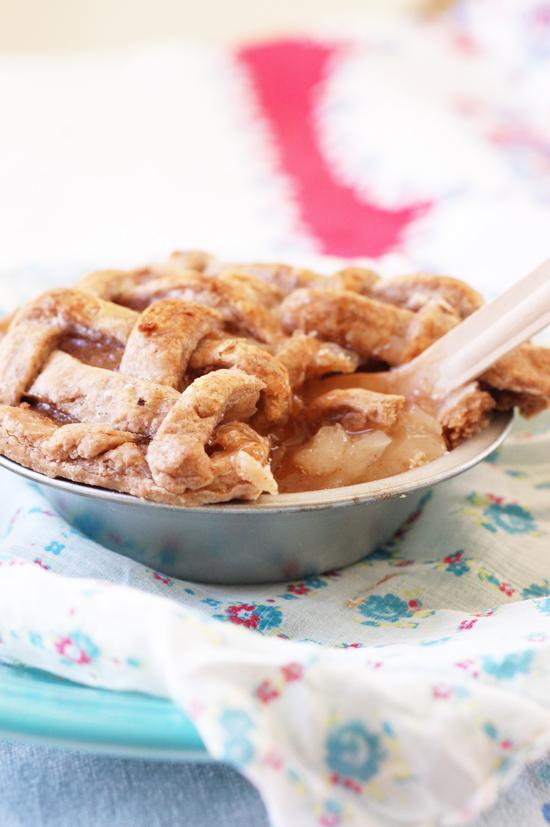 petite pie party favor