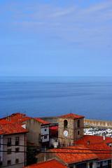 Lastres, la mar y el cielo (Buuelesco) Tags: espaa costa canon eos mar asturias lastres cantbrico canoneos350 doctormateo sanmartndelsella