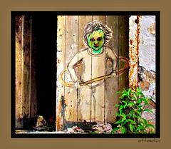 Graffiti child (Gerd Trynka) Tags: door abandoned painting gate child kind hauptbahnhof krefeld tor graffitiartist verlassen ruinen zeichnung gemlde abbruch klnerstrasse trynka ottosohn grafittichild