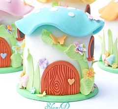 Mini Toadstool House Cake (~Trs Chic Cupcakes by ShamsD~) Tags: magical whitechocolateganache minicakes enchanting cakelets childrenscakes whitechocolatecake shamimadesai fairyhousecake cupcakesinpietermaritzburg cupcakesmadeinsouthafrica