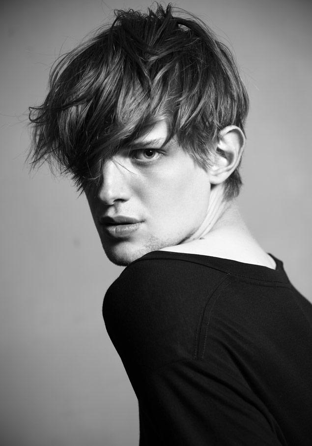 Axel Gillot0013_New Faces Men SS12_Ph Saverio Cardia(MODELScom)