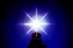 19860500 Korsika Capo Pertusato Leuchtturm Gegenlicht Star Eight Filter (5) (j.ardin) Tags: lighthouse backlight contraluz faro corse corsica beacon phare contrejour leuchtturm gegenlicht leuchtfeuer korsika capopertusato stareightfilter