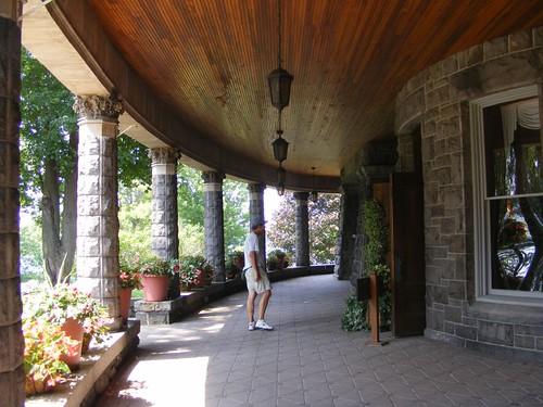 Grand veranda