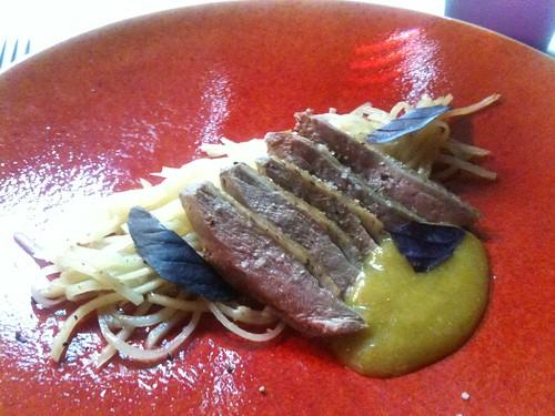 Yam'Tcha: Sauvageon, pommes de terre presque crues, sauce reine-claude