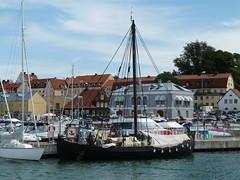 Viking ship (skumroffe) Tags: ship sweden sverige gotland vikings viking hansa visby vikingship ruiner vikingaskepp hamnen inre yttre hansastad