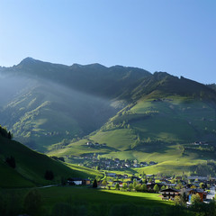 Last sunray on the Raurisertal before the evening falls (Bn) Tags: park blue shadow sky sun sunlight snow mountains alps green nature water fog walking geotagged heidi austria golden spring woods rocks afternoon eagle farmers hiking farm wildlife falls adventure evergreen alpine national valley goldenvalley gras rays peaks spar topf100 spruce larvae finest seekers birdofprey marmots hohe rauris lariks unspoilt tauern 100faves wrth rauristal bartgeier beardedvulture raurisertal frostberg dastaldergeier thekingsoftheair unterstein siedwinkl hferwald geo:lon=12977466 geo:lat=47190415