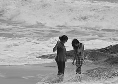 The First Splash (anindya55) Tags: ocean travel sea india beach nikon action karnataka sankar udupi malpe turtlebay anindya tamronaf70300mmf456dildmacro weekendtour turtlebaybeach d5100 mygearandme mygearandmepremium mygearandmebronze mygearandmesilver nikond5100 anindyasankardey