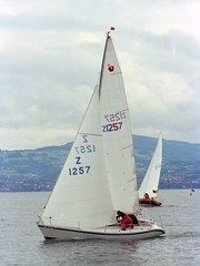 // au prs serr (Riex) Tags: lake film sailboat switzerland sailing suisse lac regatta leman 1979 voile voilier upwind regate bouveret carena srh500 leboldor presserre