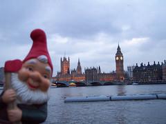 Gnome Big Ben (tastyleisti) Tags: gnome bigben amelie lawngnome travelinggnome