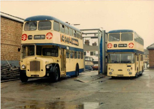 Thamesdown 145 & 153 at their depot 04/04/1987