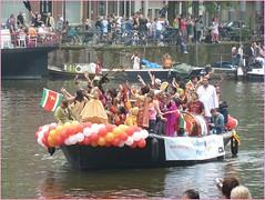 Canalparade2011106 (DITCH PHOTOGRAPHY) Tags: pink gay netherlands dutch amsterdam lesbian fun boats scene angels homo prinsengracht decor grachten roze botenparade canalparde