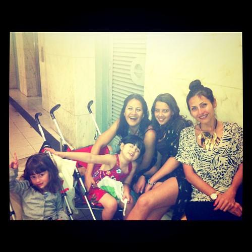 Family - irmãs e mamis