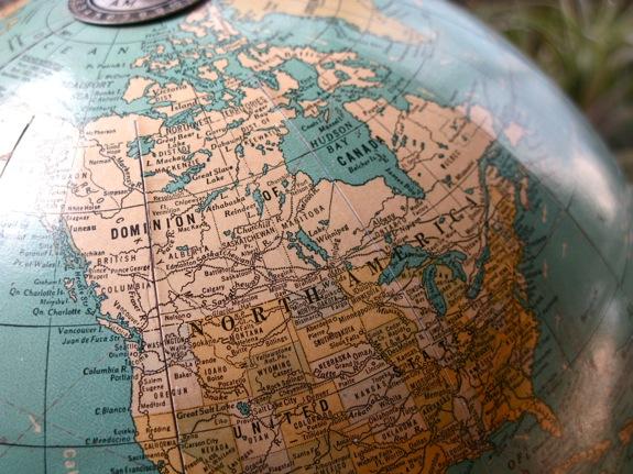 vintage globe 002