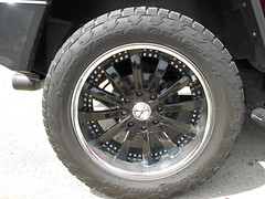 22-inches Zenetti rims on a 2005 Hummer H2 Luxury (Oliver C. Photography) Tags: 2005 auto black cars car truck photography photo nikon automobile picture vehicles chrome american coolpix vehicle modified aut
