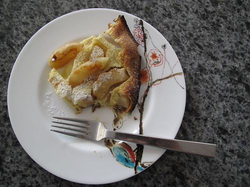 Apple dutch bunny pancake: YUM