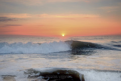La Mer (Nicolas Valentin) Tags: morning sun mer scotland aqua east northsea kingsbarns