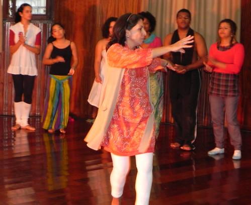 Sarita dançando coin leveza by Silvana Abreu