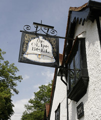 THE BELL (Adam Swaine) Tags: county uk england english beautiful canon countryside wooden village britain villages 1740mm hurley inns pubsigns counties naturelovers 2011 adamswaine wwwadamswainecouk 15thcinn