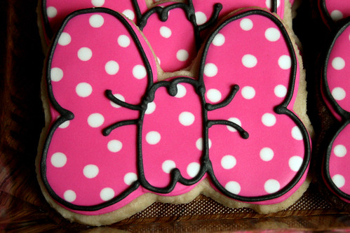 Minnie Mouse Bow Cookies for a 1st Birthday.