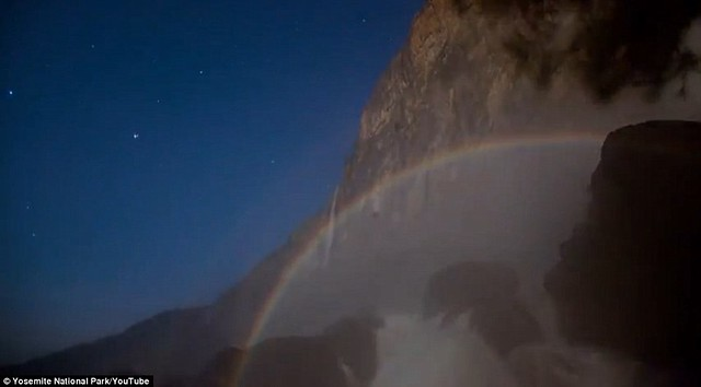 Dazzling arc of colour lights up night sky at Yosemite National Park  4