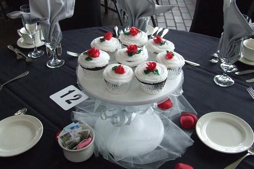 Jennifer Centerpiece Cupcakes