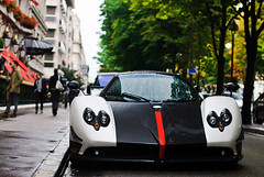 Pagani Zonda Cinque Roadster 5/5 (Lambo8) Tags: plaza horse white paris france tower car photography photo hp nikon italia tour power d s eiffel f af gt nikkor 55 avenue 75 fr bianco blanc f28 supercar italie v8 ch cinque zonda montaigne roadster pagani afd exclusiv d80 exclusif hypercar worldcars