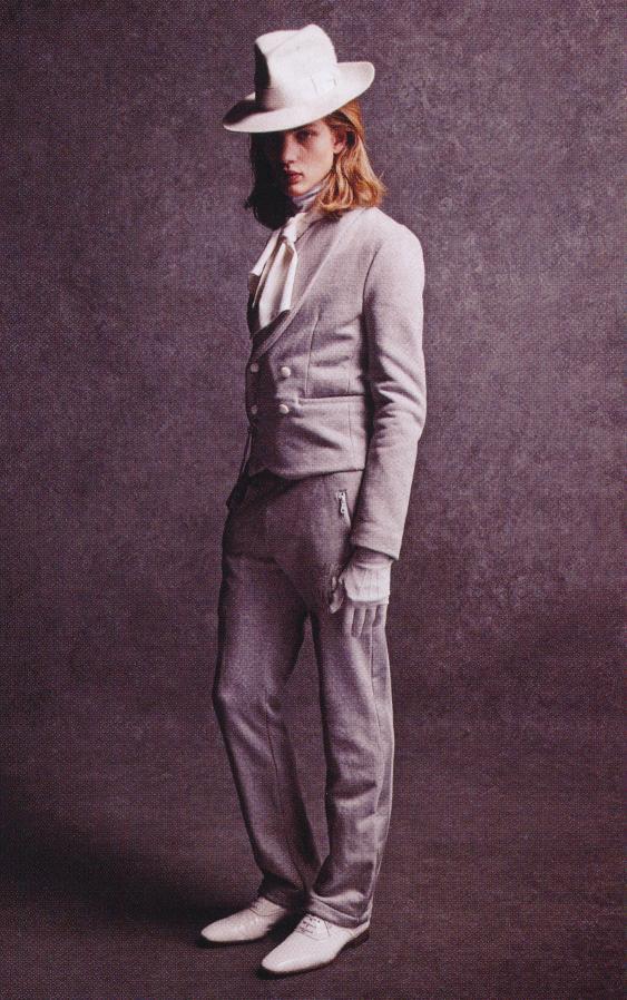 Paul Boche0149_Amphitrite Melan FW07(Fashion News125_2007_07)