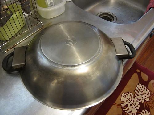 連鍋底也刷的很乾淨