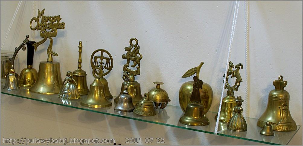 Kolekcja dzwonków w Muzeum Ziemi Biłgorajskiej