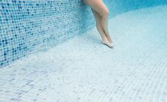 (Luis Hernandez - D2k6.es) Tags: summer water pool swimming underwater calor gettyiberiasummer