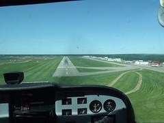 cessna 172 (jasonwoodhead23) Tags: airport runway cessna 172