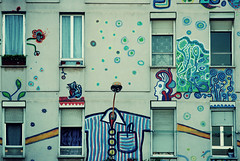 Happy building (josemanuelerre) Tags: old city windows urban house color building rayas home colors modern vintage ventana pared happy graffiti casa lomo sevilla paint cross drawing edificio stripe ciudad symmetry ventanas urbano positive dibujos viejo moderno pintar positivo simetra grafitis