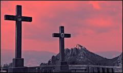 urkiola al atardecer (eredita) Tags: cruz montaas fernan mendia urkiola eredita