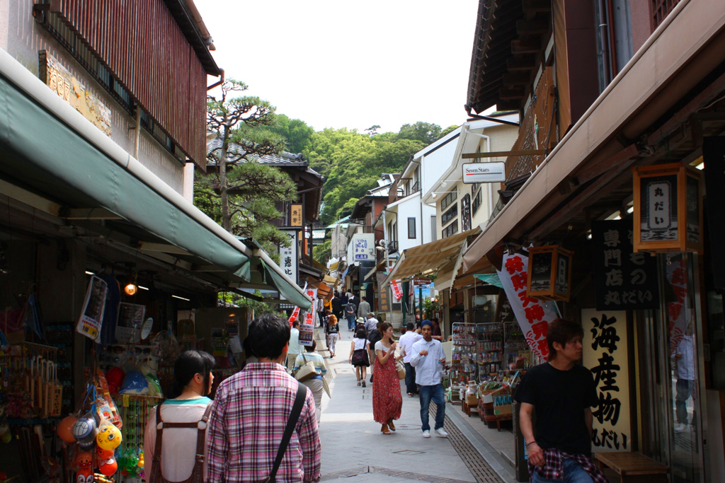 A walking guide of Enoshima (4)