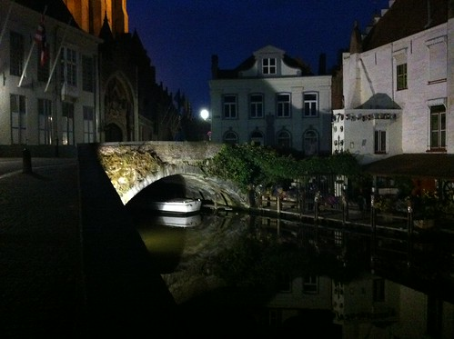 Bruges: Canal at night