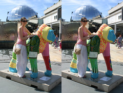 3D Bristol gorilla girl (3D shoot) Tags: girl bristol stereoscopic stereophoto stereophotography 3d gorilla stereo parallel stereoscope atbristol parallelview 3dshoot bristolgorilla bristolgorillas