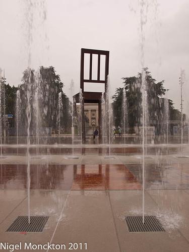 Broken Chair, Daniel Berset