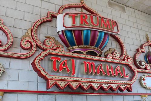 Trump Taj Mahal sign