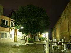 Campo de le gorne (Daisuke Ido) Tags: venice houses tree night case campo albero venezia arsenal notte arsenale