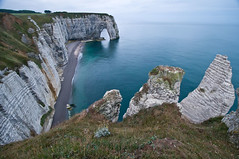 France #16:  tretat (PetterPhoto) Tags: trip travel sea cliff france french nikon scenery report images cliffs normandie nikkor tretat 1024 d300s petterphoto