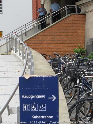 ©Der Kochlöffel an berühmtem Ort  Kaisertreppe Kiel Hbf