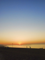 Barcelona beach.- (ancama_99(toni)) Tags: pictures ocean barcelona city blue light sunset sea sky espaa paisajes naturaleza sun seascape color beach nature water marina landscape geotagged photography dawn mar photo spain agua nikon espanha europa europe mediterranean foto photos picture cityscapes playa paisaje photographic catalonia ciudades cielo fotos barceloneta catalunya fotografia paysage espagne paesaggi barcellona catalua catalan spanien mediterrneo spagna paisagens pasoscatalans citys marinas fotografas d60 catalogne mittelmeer 2011    10favs 10faves nikond60 holidaysvacanzeurlaub  ancama99