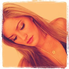 Looking at comments (ijustine) Tags: square necklace squareformat lordkelvin justineezarik ijustine iphoneography instagramapp uploaded:by=instagram