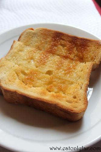 Torrada com manteiga, Confeitaria Nacional